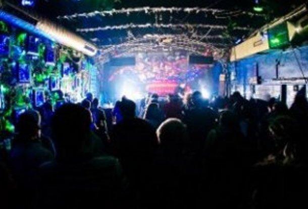 Ночные оргие в клубах