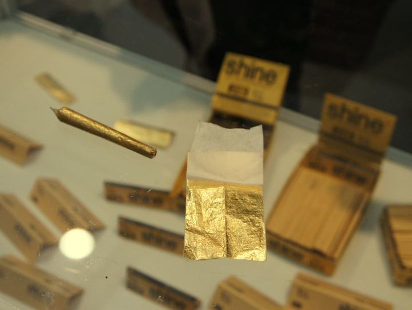 Cannafest-2013-gold-papers