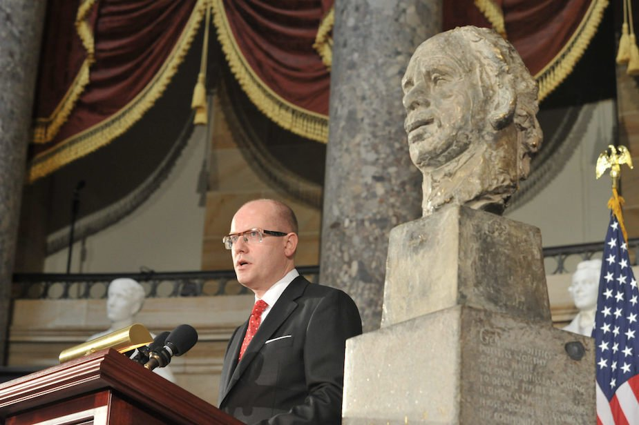 Sobotka_bust_havel_usa_5