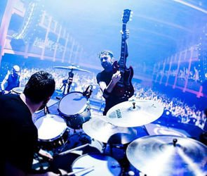 Rise_against_prague