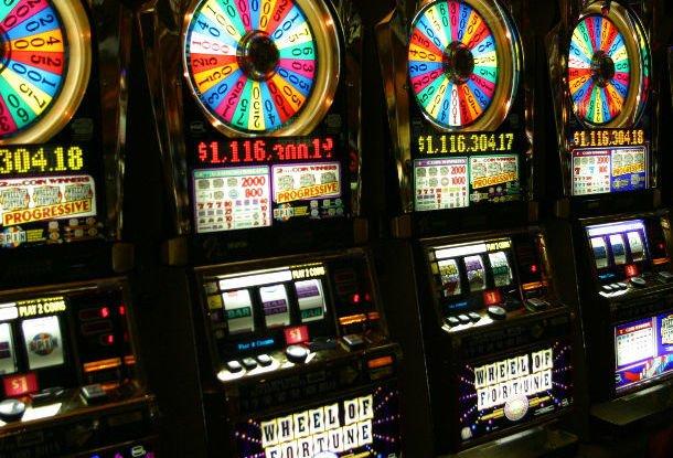 Запретили ли игровые автоматы игровые автоматы играть бесплатно калигула
