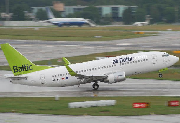 Авиакомпания Air Baltic запустит рейсы из Праги в Будапешт