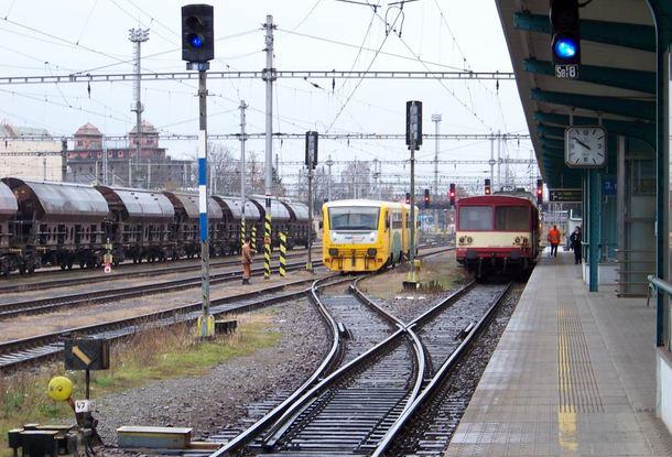 ВЧехии отпоезда отделились вагоны. Пассажиры пешком вернулись навокзал