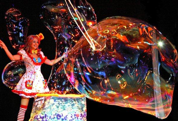 Красочное шоу для детей «Волшебная планета Мыльных Пузырей» в Праге