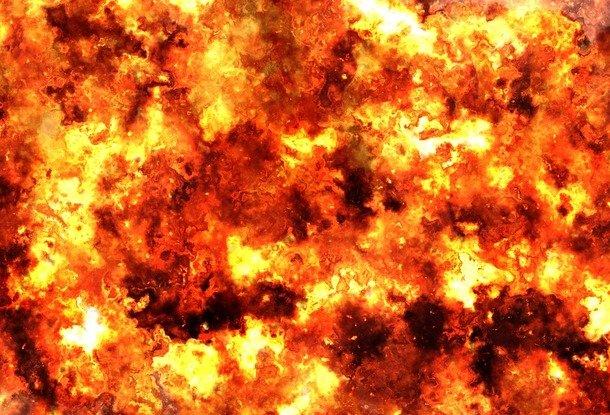 Намашиностроительном заводе вЧехии взорвался резервуар совзрывчаткой
