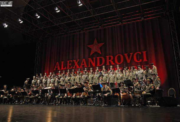Ансамбль Александрова уходит в 1-ый европейский тур после катастрофы Ту-154