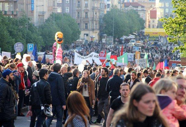Сегодня вПраге снова пройдут демонстрации против Бабиша иЗемана
