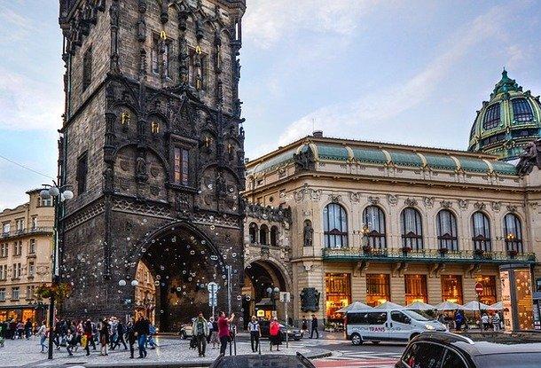 Сколько денег теряет турист на обмене валют в Праге