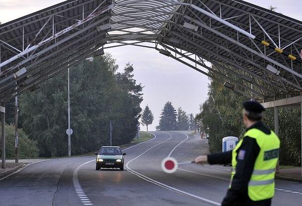 МВД рассказало о нелегальной миграции украинцев в Чехию
