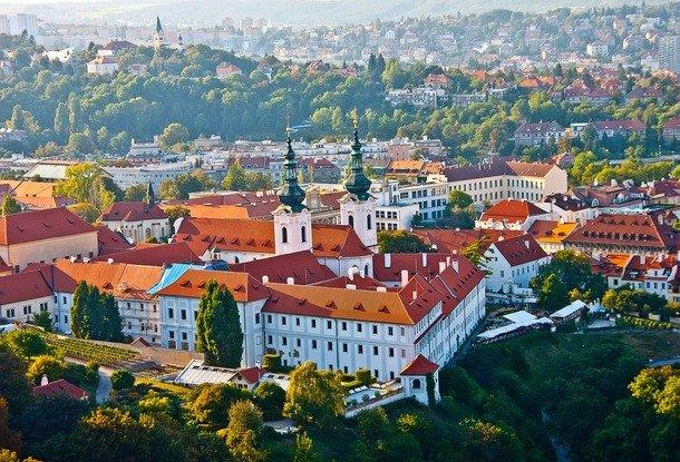 Лучшие города чехии для жизни дома в турции фото