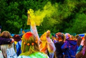 The-festival-of-colors-2390146_1280