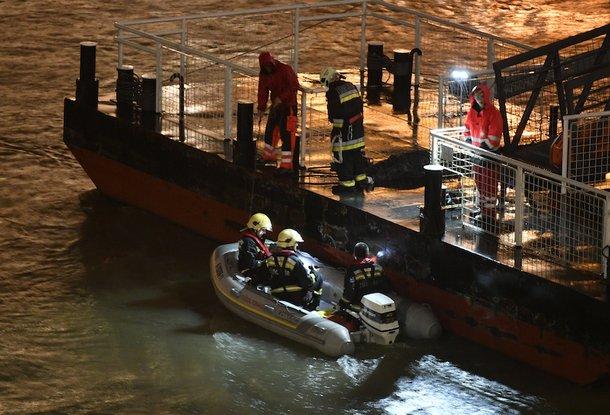 В Будапеште затонуло прогулочное судно семь погибших
