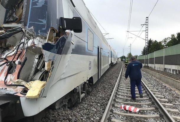 В подмосковье столкнулись грузовой и пассажирский поезда есть жертвы обнял, слегка