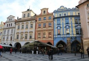Old-town-square-3405350_960_720