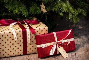 Gifts-3835455_1920