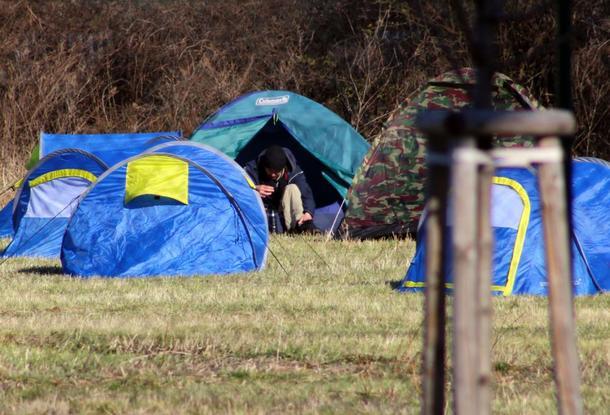 Прага построила палаточный лагерь для бездомных с коронавирусом