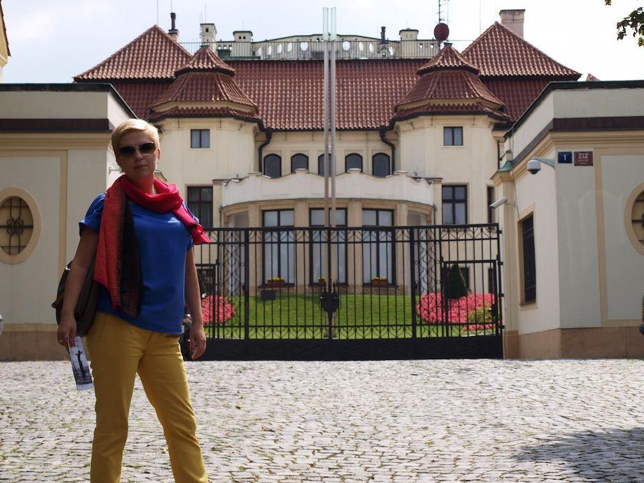 Купить замок с титулом дубай марина недвижимость цена